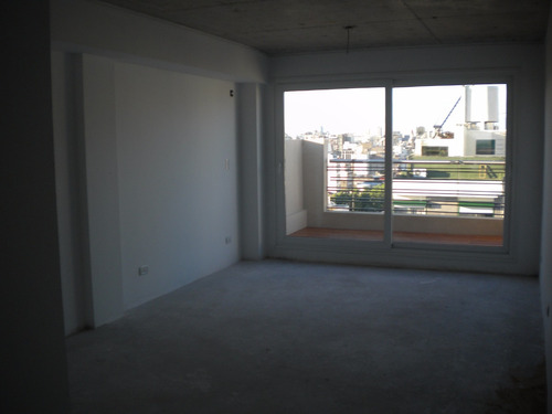 av. independencia 1330 - oficina planta libre 65 m2 frente