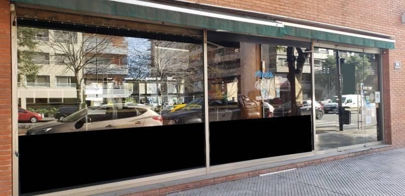 av. juana manso y ezcurra - imponente local en esquina 200 m2 pb - a/gastr.