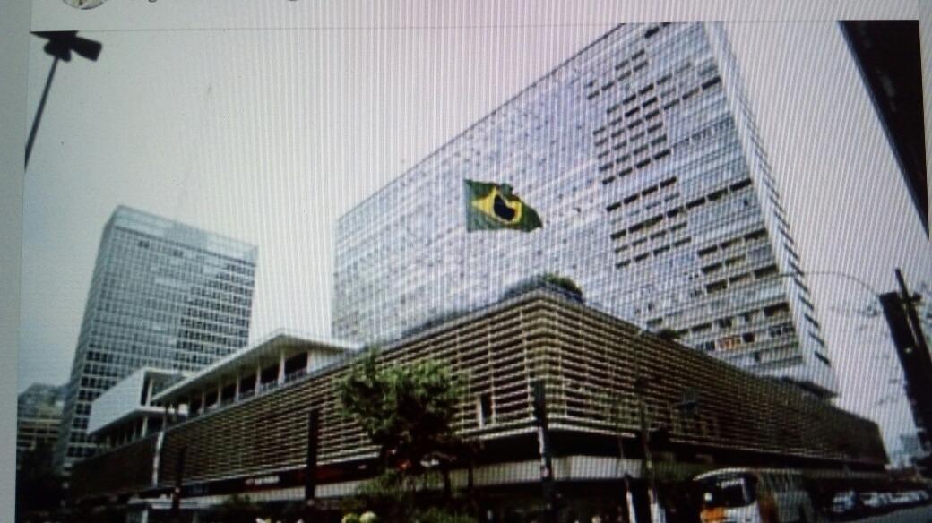 av paulista cjto comercial 30 metros