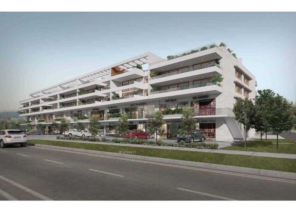 av plaza 651
