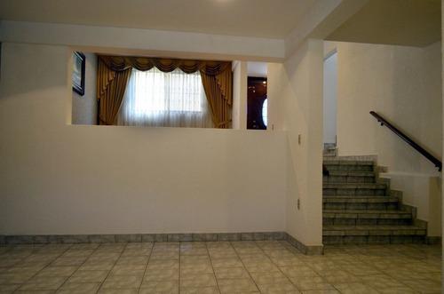 av1032.6. casa en venta en lomas de la hacienda. vivirla es autentica delicia.