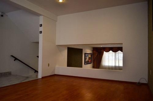 av1032.8. casa en venta en lomas de la hacienda. vivirla es autentica delicia.
