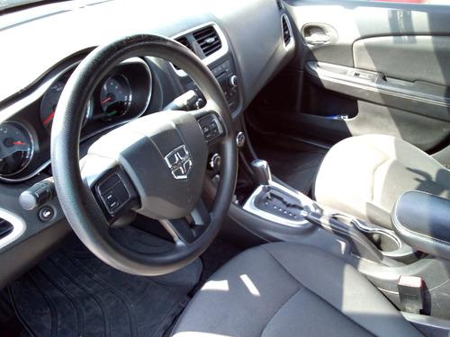 avenger 2013 gris claro 4 puertas electrico