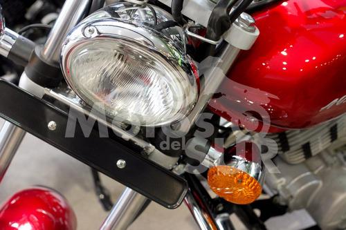 avenger street 220 2017 0 km motos