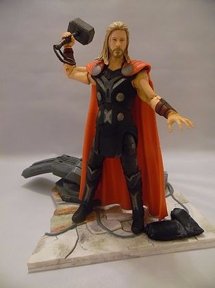 avengers thor special collector  edition figure