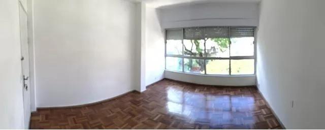 avenida rivera, 2do piso por escalera.