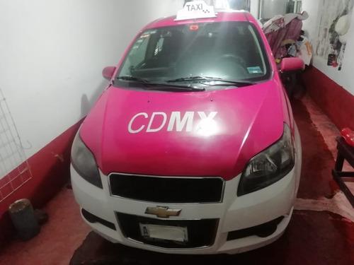 aveo 2015,  taxi con placas