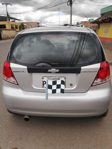 aveo activo 1.4 año 2007 color gris 5 puertas 8000 negociabl