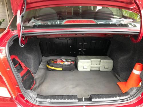 aveo rojo 1.600 cc model 2011 aire acondicionado alarma