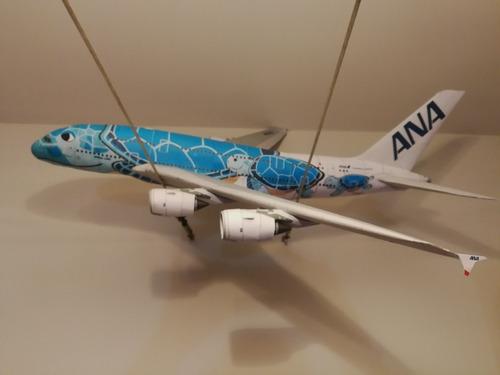 avión a escala airbus a380 en cartulina