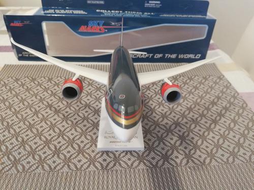 avión a escala/royal jordanian