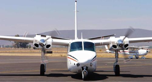 avión aerocommander 500u