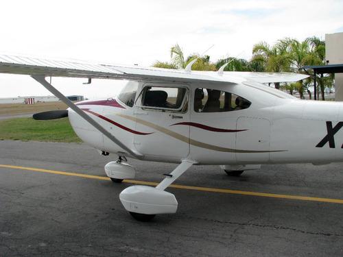avion cessna skylane 182 s 1999 avion