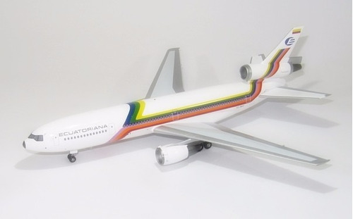 avion coleccion ecuatoriana  1/200 dc 10 -30 infligth