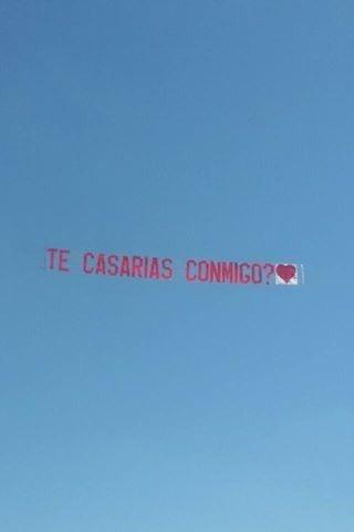 avión de propaganda , publicidad aérea, vuelos de bautismo.