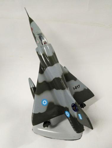 avion de resina mirage