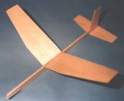 avión dédalo madera balsa en blister p/armar