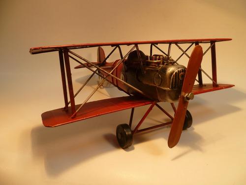 avion en escala miniatura antiguo decorativo