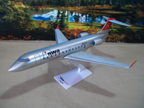 avión escala 1/100 bombardier crj-200 nwa airlink