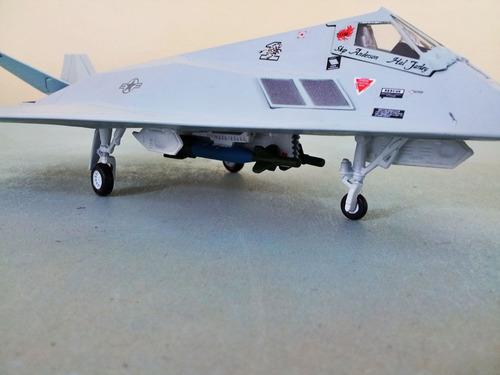 avion f-117 stealth metalico escala 1:72