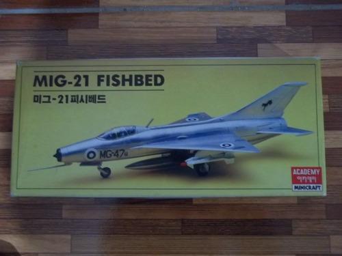 avion mig 21 fishbed. 1/72 academy armado y pintado