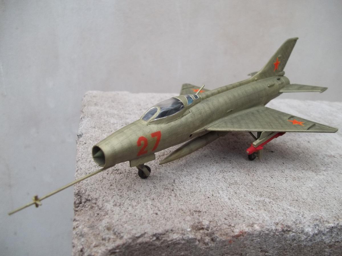 Avion Mig 21 Fishbed 1/72 Modelex Maqueta Armada Y Pintada
