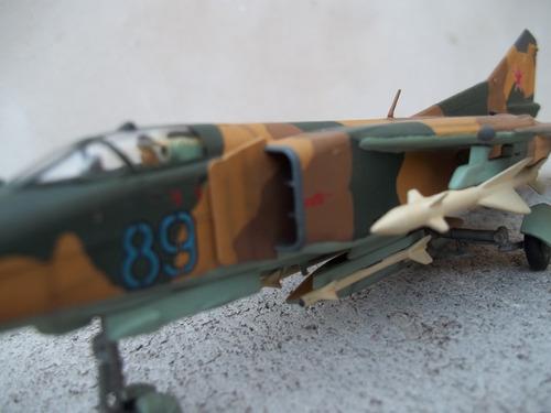 avion mig 23 mf flogger-g 1/72 armado y pintado