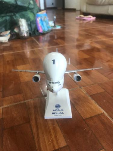 avión modelo a escala 1:200 airbus beluga
