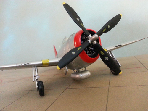 avion p-47 thunderbolt usaf escala 1:48