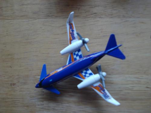 avion test fligth de matchbox   mide 10 cms