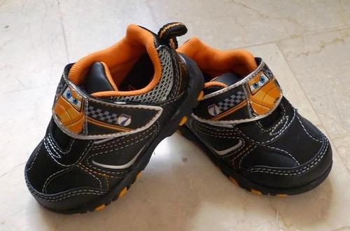 aviones planes zapatos deportivos gomas con luz import orig