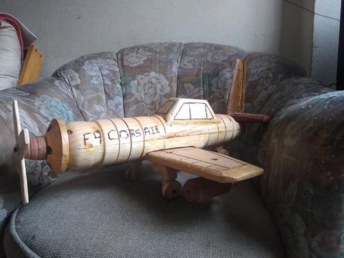 aviones y helicopteros en madera