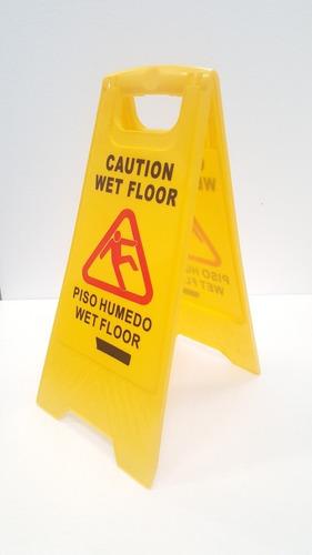 aviso señal prevencion piso mojado