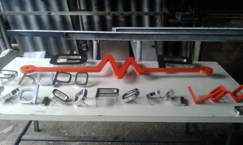avisos, letras con relieve, bastidores, cajas de luz, 3d led