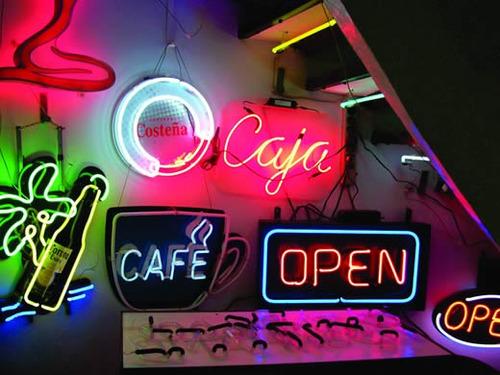 avisos luminosos neon instalaciones