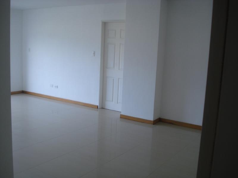 avp 20-4171 vende apartamento en frutas condominio
