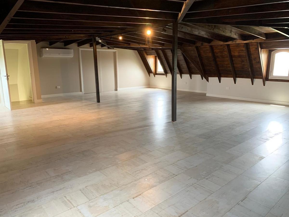 ayres plaza casa premium 3 plantas excelente calidad