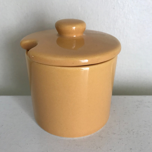 azucarera naranja de cerámica con tapa