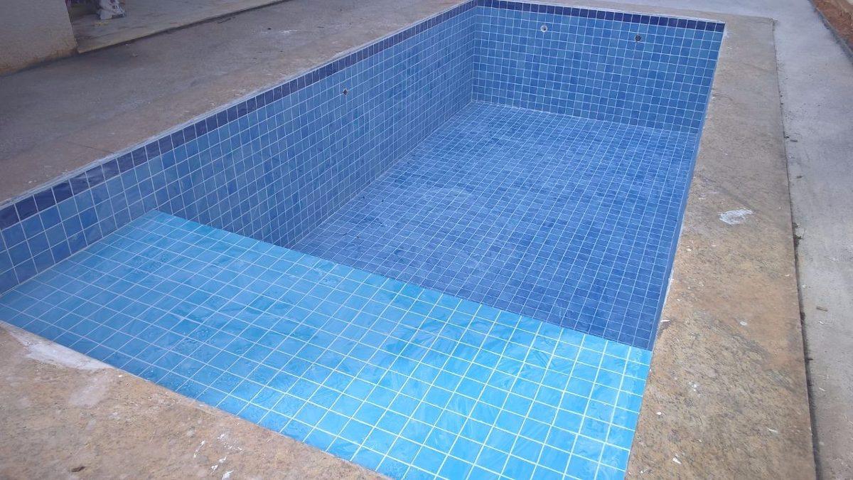 Azulejo para piscina cor mesclado itapu azul 10x10 - Azulejos para piscina ...