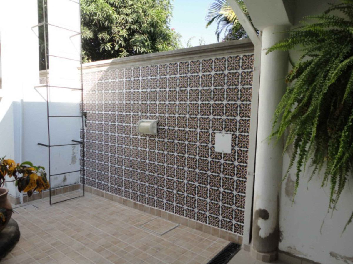 Azulejos para patios modernos baldosa de exterior para for Azulejos para patios
