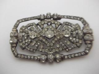 b. antigo - broche barrete francesa metal prateado e strass