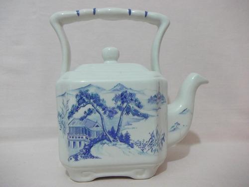 b. antigo - bule ou chaleira em porcelana inglesa