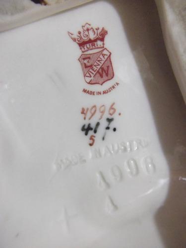 b. antigo - camponesa com cestos faiança austríaca assinada