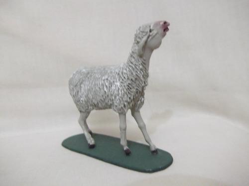 b. antigo - carneiro ou ovelha figura complementar presépio