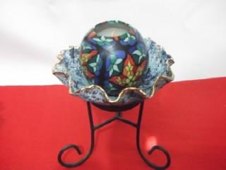 b. antigo - castiçal em pasta de vidro com vela decorada