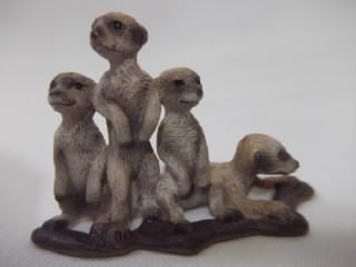 b. antigo - família de suricatos miniatura em vinil alemão