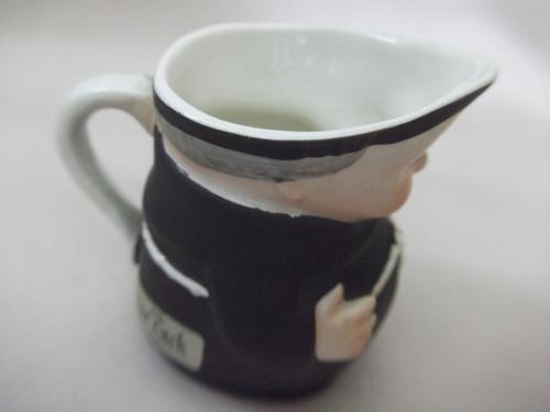 b. antigo - fradinho jarrinha em porcelana hummel alemã
