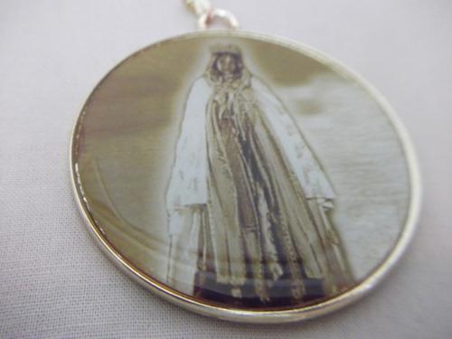 b. antigo - medalhão sta. sara kali  com oração frete grátis