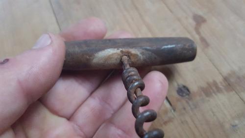b-antiguo sacacorcho tirabuzon mango de madera