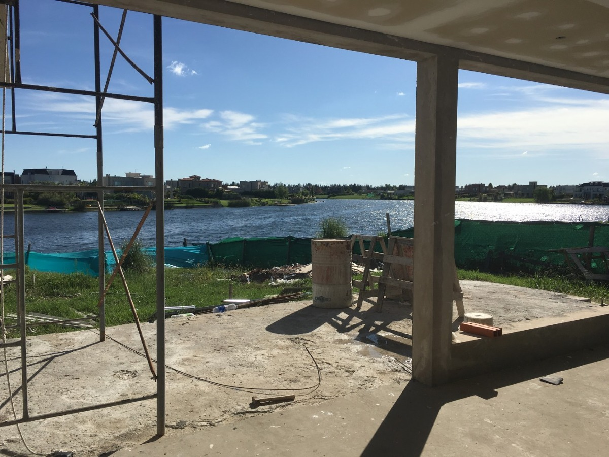 bº c san marco excelente casa a estrenar  a la laguna